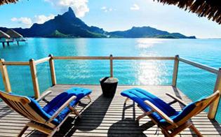 Lua de mel no Tahiti: um paraíso com infinitos tons de azul no mar