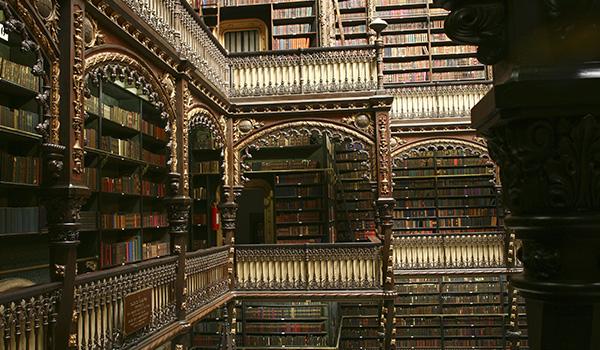 As bibliotecas mais bonitas do mundo e atrações de viagem