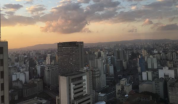 Farol Santander: mirante para ver o pôr do sol em São Paulo