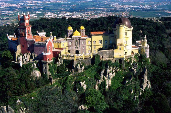 Portugal com os vários pontos turísticos, é uma ótima opção de viagem.